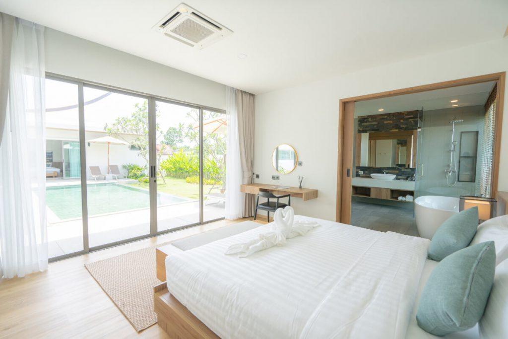 Escape Villas partners with Siam Limousine